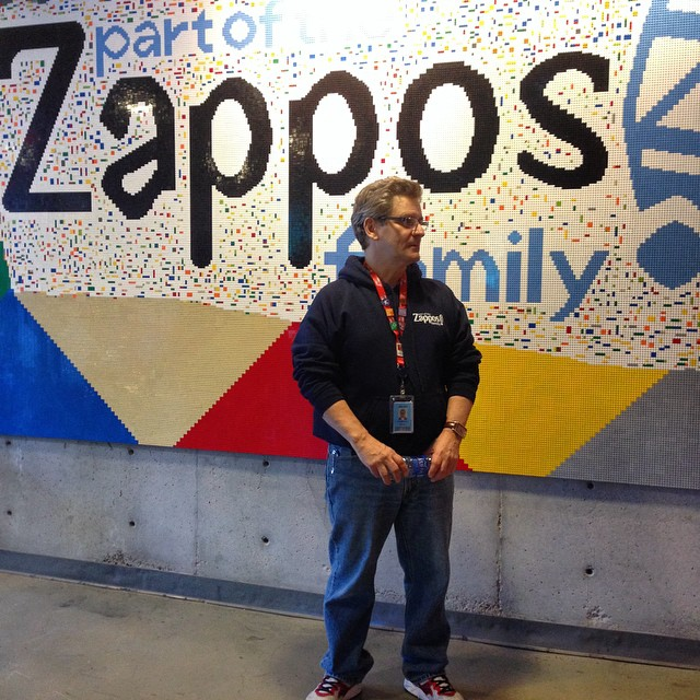 zappos corporate culture las vegas downtown project startup tony hsieh happyness employees benefits clients service culture ecosystem city prototyping innovation is everywhere martin pasquier zappos tour 9
