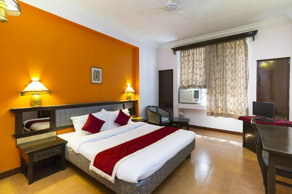 oyo rooms startup hospitality india