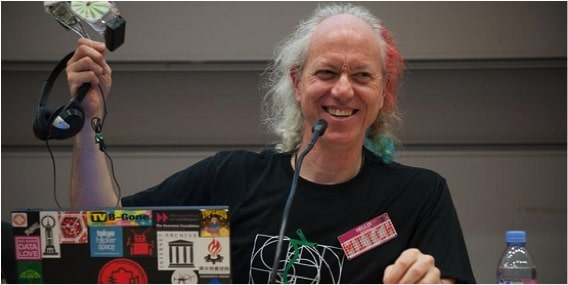 """Interviewing Mitch Altman: """"Hackerspaces are about love"""""""