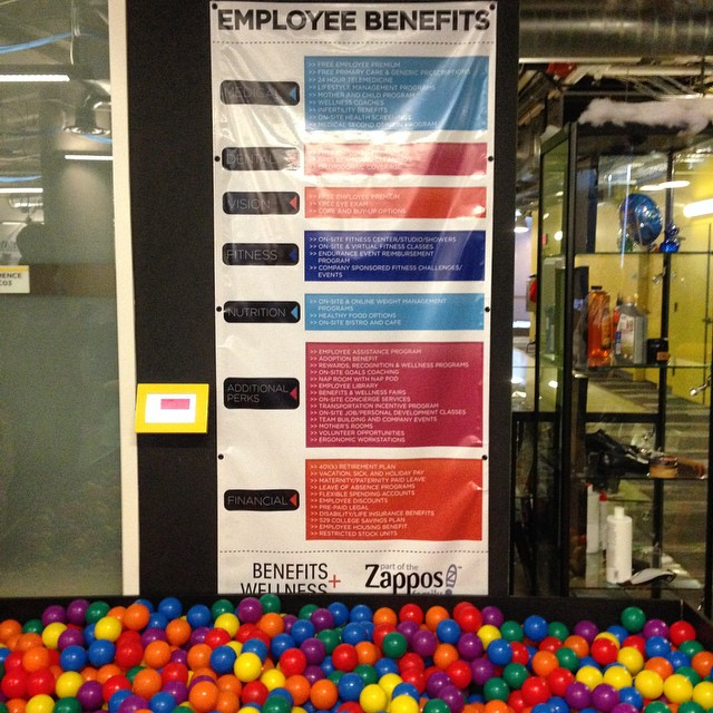 zappos corporate culture las vegas downtown project startup tony hsieh happyness employees benefits clients service culture ecosystem city prototyping innovation is everywhere martin pasquier zappos tour 2